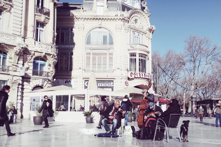 place-de-la-comedie-3